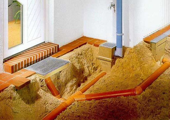 montazh-trub-kanalizacii-svoimi-rukami