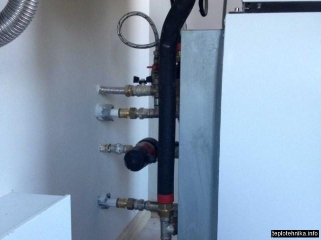 система циркуляции ГВС и скрытая обвязка котельной нержавеющей трубой