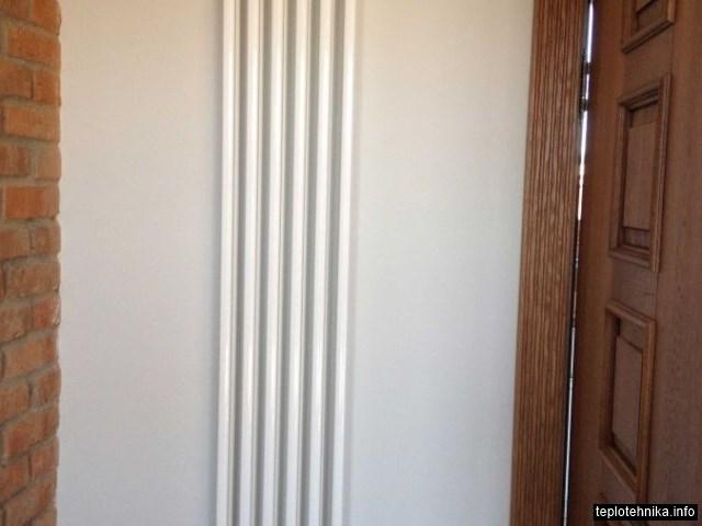 нижнее боковое подключение, термостатическая головка фирмы Orkli