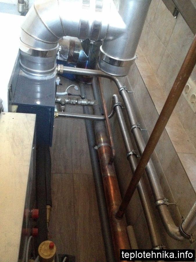 основная система отопления выполнена их меди, вспомогательная из нержавеющей стали